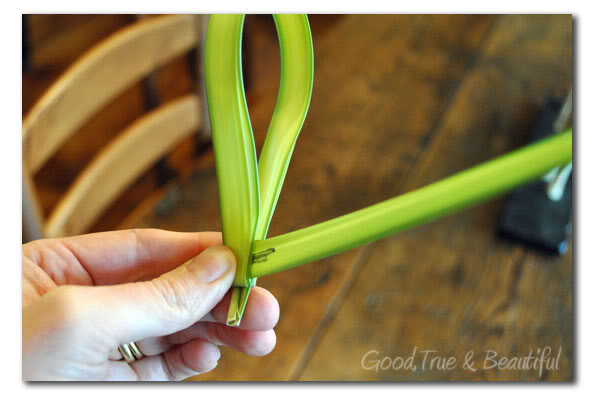 how to make a cross out of palm branches